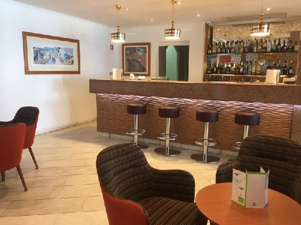 hotel holiday inn algarve 4 algarve portugal avec voyages leclerc travel evasion ref 415796. Black Bedroom Furniture Sets. Home Design Ideas
